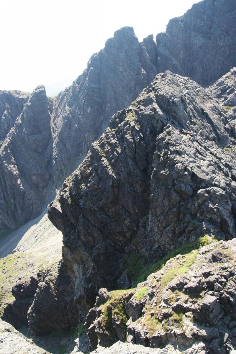 CG 10bealach tower; wordt beklommen via de centrale spleet die duidelijk zichtbaar is