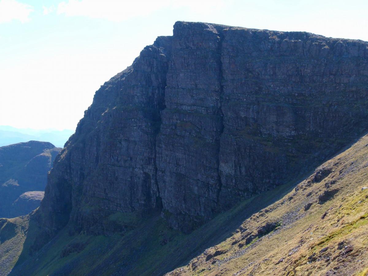 BB13 bovenin Coire an Fhamair met grote wand Poit