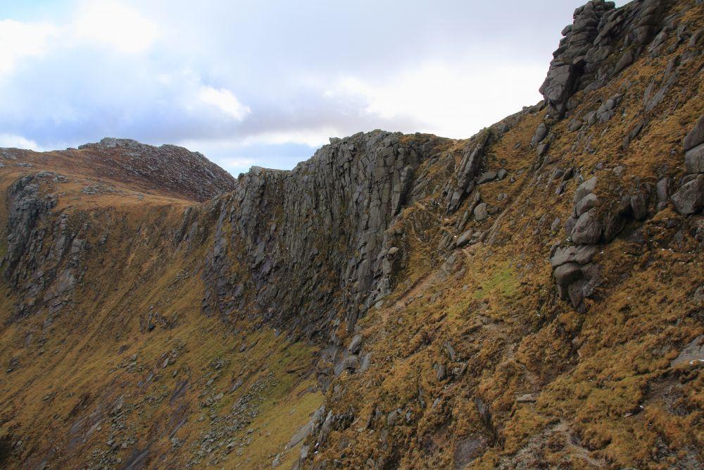 De graat van Beinn a Chliabhain. Het pad is zichtbaar